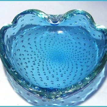 Murano Art Glass Bowl  ( or Ashtray ) -- Heart w/Flip and Bubbles