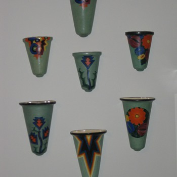 Mrazek wall pockets in green - Art Pottery