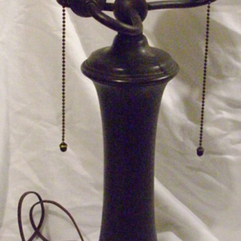 E Miller co lamp base. - Lamps