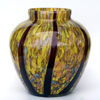 WELZ? KRALIK? RUCKL? SCAILMONT? Massive Confetti with Stripe Vase - Art Glass