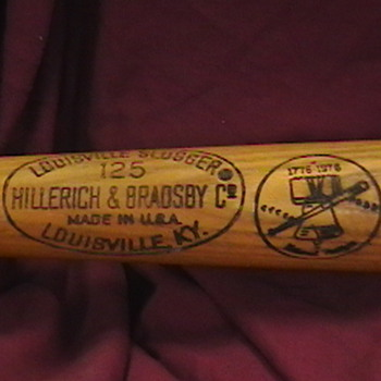 Johnny Bench 1976 Game Used Bicentenial Bat - Baseball