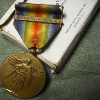 WWI Victory Medal with Defensive Sector Clasp and Box