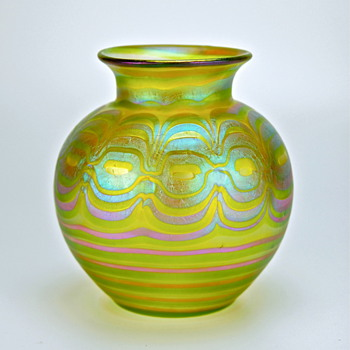 a signed Loetz Phenomen Genre vase from about 1902