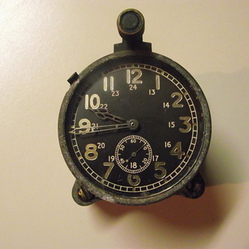 Vintage unknown clock with 2.5 in face - Clocks