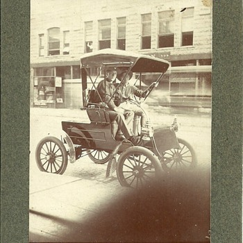 What Make is this early Automobile? - Photographs