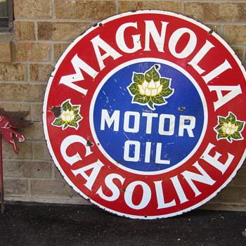 Magnolia Gasoline sign & Mobil pegasus(es)