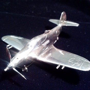 P-39 AIRACOBRA --- HISTORICAL FIGHTER AIRPLANE --- SOLID SILVER --- LUCILLE M. BELL, WIFE OF LAWRENCE DALE BELL - Fine Jewelry