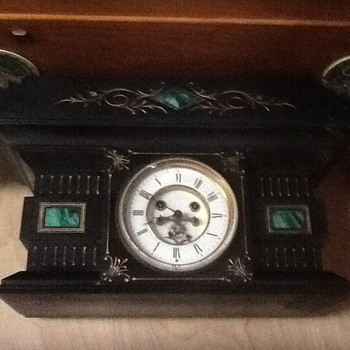 Very heavy Marbel or slate mantle clock