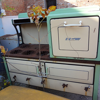 E-Z-est Way antique stove