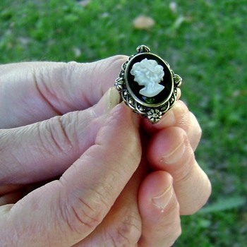 Silver Ring - Mother of Pearl Cameo - Fine Jewelry