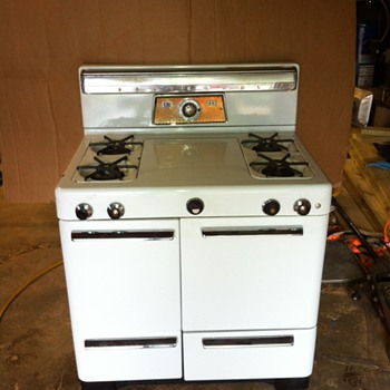 Universal Stove  - Kitchen