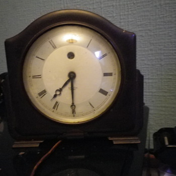 Smiths Electric powered Electric clock in a Bakelite case, minature version of the normal size