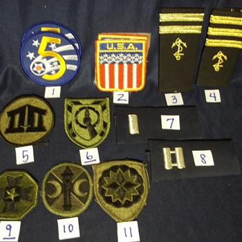 Various military patches and ranks - Military and Wartime