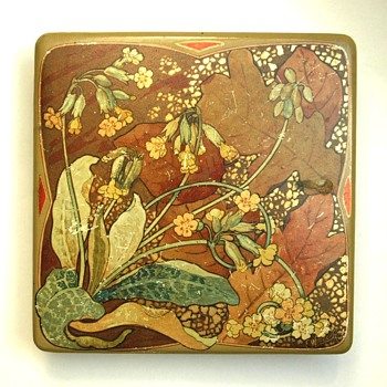 rare papermaché box by EUGENE WINDECK & ADT FRERES, 1905