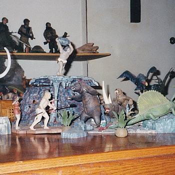 Aurora Prehistoric Scenes Diorma - Toys