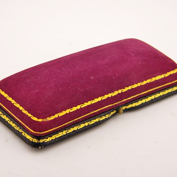 "Antique Victorian ""Birks"" Canada Velvet Gold Leaf Brooch Box  - Fine Jewelry"