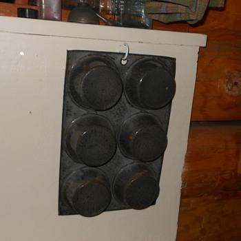 Gray Graniteware Muffin Pan - Kitchen