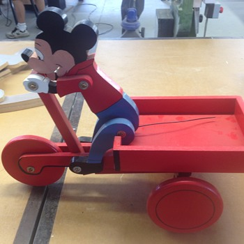 Disney moving push toys - Toys