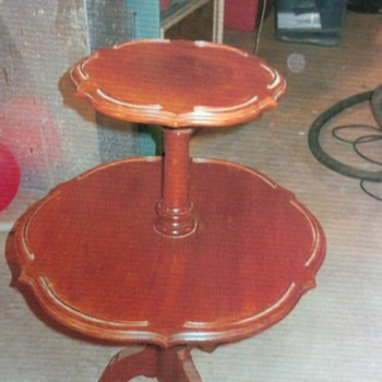 Queen City Wood Works Lamp table