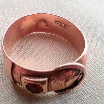 Australian 9ct Rose Gold Garnet set Buckle Ring