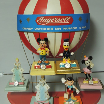 DISNEY INGERSOLL DISPLAY WITH WATCHES - Wristwatches