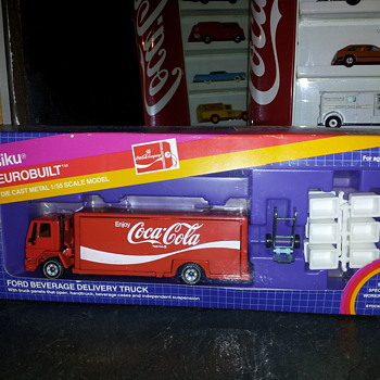 Siku  1/55 scale  Coca-Cola Beverage Delivery Truck