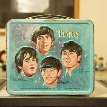 Beatles lunch box...1965 - Music