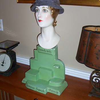 1920's mannequin head store display