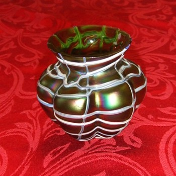 Loetz or Kralik vase ? - Art Glass