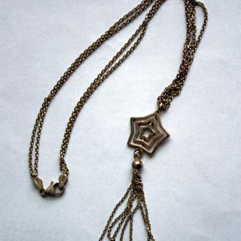 Nicol Preziosi silver chain / pendant.  - Costume Jewelry