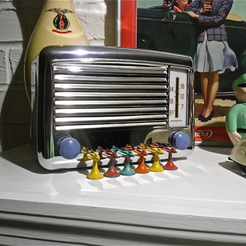 Here&#039;s Another Tabletop Mid Century Radio, Wards - Radios