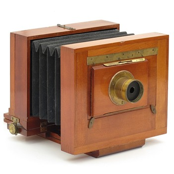 E.I. Horsman No. 33 Eclipse American Field Camera, c.1890 - 1900 - Cameras
