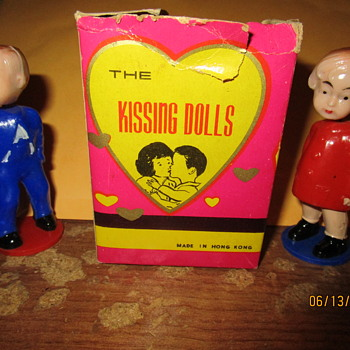 Vintage Kissing Dolls