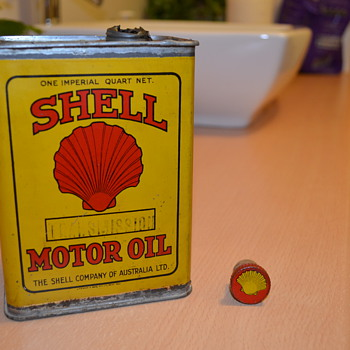 1940s Shell quart tin