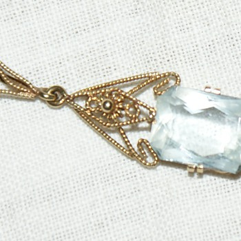 A very delicate pendant  - Fine Jewelry