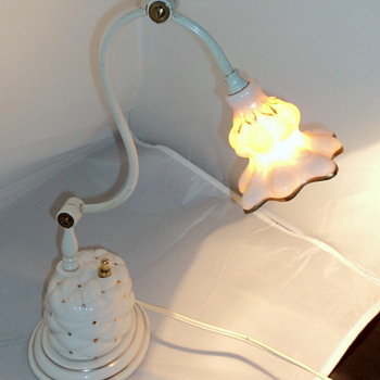 1940's antique Porcelain desk lamp, by Miller Lamp Co.