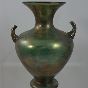 Small iridescent vase with applied handles, ca. 1900 - Art Glass