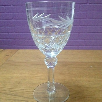 Identification of Crystal Wine Glass