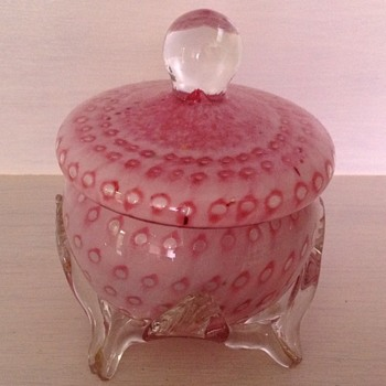 Victorian Welz pink spotted cased glass lidded trinket box
