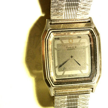 Unidentified Timex LCD wristwatch - Wristwatches