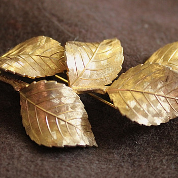 1959  Grosse Costume Jewerly  Leaf Pin