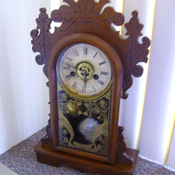 Antique Buttergum Mantle Clock