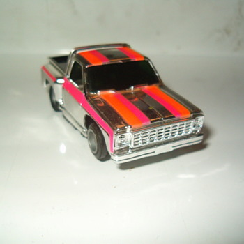 "TYCO ""SILVERSTREAK""SERIES CHEVY STEPSIDE PICK-UP"