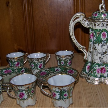 Maple Leaf Moriage Nippon Chocolate Tea Set Unknown Pattern??? - China and Dinnerware