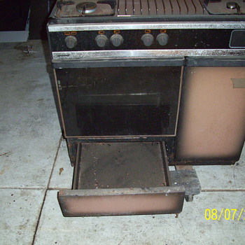 Aristron 4 burner Italian Stove with Rotisserie 1983 Model - Kitchen