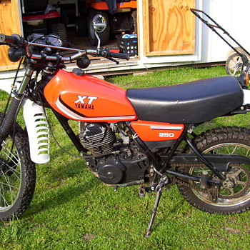 1981 or 1982 XT Yamaha 250 - Motorcycles