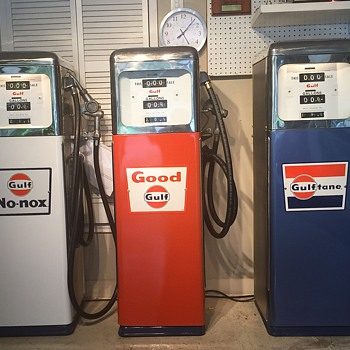 GULF GAS PUMPS FROM 1965 COLLECTION  - Petroliana