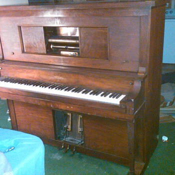 HARMOTONE PLAYER PIANO