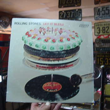 LET IT BLEED  - Records