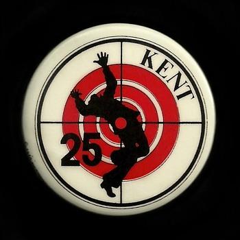 """Kent State Shooting """"KENT 25"""" Vietnam era Pinback Button"""